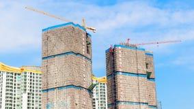 Site en construction de construction et ciel bleu Photos libres de droits