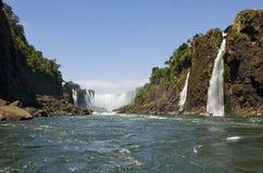 Site Iguazu Falls - belles cascades à écriture ligne par ligne de l'UNESCO ! Photos stock