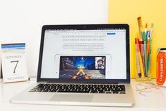 Site Web d'ordinateurs Apple présentant l'IPHONE GPU Photographie stock