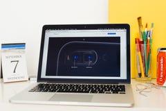 Site Web d'ordinateurs Apple présentant le nouveau cmera Photographie stock