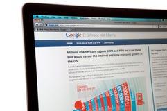Site Web de Google pendant l'arrêt total d'Internet photographie stock