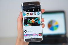 Site Web de société de Cartoon Network sur l'écran de téléphone image libre de droits