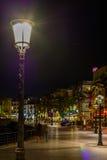 Sitges, Ισπανία - 10 Ιουνίου: Φωτισμένα οδός και κτήρια τον Ιούνιο Στοκ Φωτογραφία