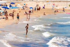 SITGES, CATALUNYA, ESPAGNE - 20 JUIN 2017 : Vue de la plage de San Sebastian Copiez l'espace pour le texte Photographie stock