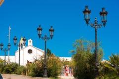 SITGES, CATALUNYA, SPANIEN - 20. JUNI 2017: Ansicht der Kirche von Ermita de Sant Sebastia Kopieren Sie Raum für Text Lizenzfreie Stockfotos