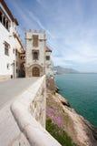 Sitges Küste und Maricel Museum (Barcelona, Spanien) Stockfotografie