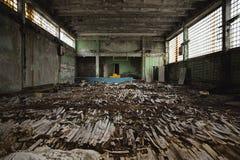 Sitio abandonado en la escuela de Pripyat, zona de exclusión de Chernóbil 2019 fotografía de archivo libre de regalías