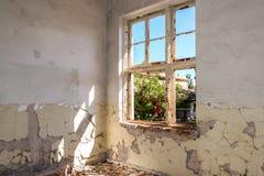 Sitio abandonado y destruido Imagen de archivo libre de regalías
