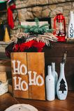 Sitio adornado holdiay hermoso con la Navidad Fotos de archivo libres de regalías