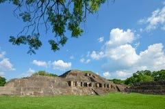Sitio arqueológico de Tazumal de la civilización del maya en El Salvador America Central Fotografía de archivo libre de regalías