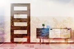 Sitio blanco, pecho de cajones y puerta entonada Fotos de archivo