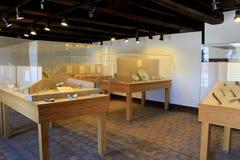 Sitio con la exhibición de los utensilios destapados de la cerámica y de la consumición, fuerte Ticonderoga, Nueva York, 2015 Fotografía de archivo