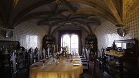 Sitio con la tabla de banquete en castillo almacen de video