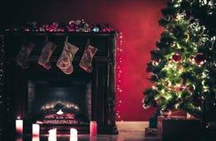 Sitio de Año Nuevo con el árbol de navidad adornado Fotografía de archivo