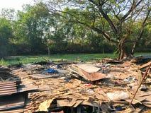 Sitio de demolición viejo y abandonado de la casa Fotografía de archivo libre de regalías
