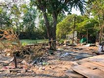 Sitio de demolición viejo y abandonado de la casa Imagen de archivo