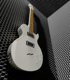 Sitio de espuma acústica con la guitarra eléctrica montada Foto de archivo