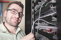 Sitio de Working In Server del ingeniero de la red Imagen de archivo