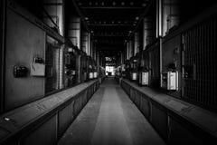 Sitio eléctrico del regulador en una empresa metalúrgica vieja imagen de archivo