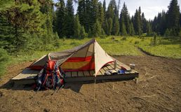 Sitio para acampar del yermo Imagen de archivo libre de regalías