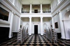 Sitio principal con el piso a cuadros en la casa majestuosa de Russborough, Irlanda Imágenes de archivo libres de regalías