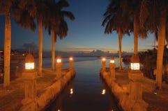 Sitio romántico de la opinión de la noche del canal de Aruba Imagenes de archivo