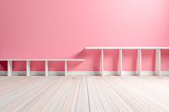 Sitio rosa claro interior vacío con el estante blanco y el piso de madera Imagen de archivo libre de regalías