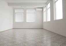 Sitio vacío de la oficina con el acondicionador de aire Imagen de archivo