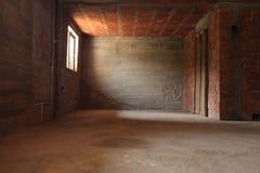 Sitio vacío con las paredes de ladrillo Foto de archivo