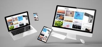 sitio web responsivo de la cartera de los dispositivos del vuelo fotografía de archivo libre de regalías
