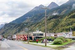 Sitios y opiniones del paisaje en Skagway Alaska imagen de archivo