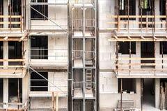 Sito della costruzione di edifici dell'appartamento fotografie stock