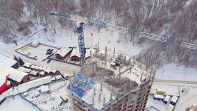 Sito di edificio residenziale, inverno, vista aerea, tiro dell'elicottero archivi video