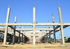 Sito e cielo blu di costruzione della costruzione Immagine Stock