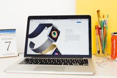 Sito Web dei calcolatori Apple che montra allenamento app Fotografie Stock