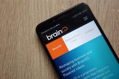Sito Web di Brain Corp visualizzato su uno smartphone moderno fotografie stock libere da diritti