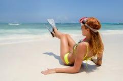 Sitt med snorkeln arkivbild
