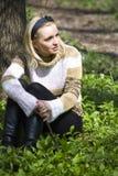 sittande kvinna royaltyfri bild