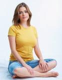 sittande kvinna för golv Arkivbild