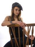 sittande kvinna för stol arkivbild