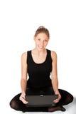 sittande le kvinna yong för golv Royaltyfria Bilder