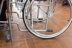 sittande rullstol royaltyfria foton