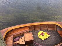 Sittin auf dem Dock in der Bucht Lizenzfreie Stockfotos