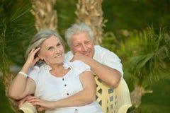 Sittin supérieur affectueux de couples Photo stock