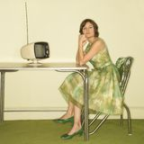 sitting table woman στοκ εικόνες