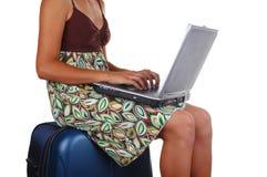 Sittting sur taper de valise photo libre de droits