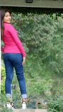 Situación femenina adolescente joven Foto de archivo libre de regalías