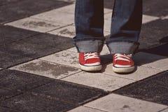 Situación femenina adolescente joven en la calle Foto de archivo