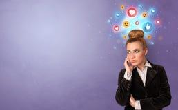 Situaci?n de la persona del negocio con concepto social de los medios imagen de archivo