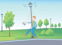Situaciones inusuales en el parque con la lámpara de calle Imagen de archivo libre de regalías